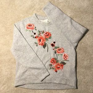 XS H&M Embroidered Crew Neck Pullover Sweater